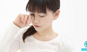 Чешутся глаза в уголках около носа: что делать, причины, лечение